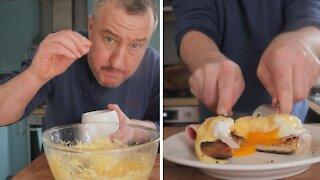 How to make homemade Hollandaise sauce