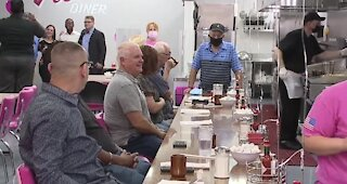 Vickie's DIner opens in Commercial Center