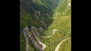 284 curves, Serra do rio do rastro.