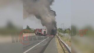Φωτιά σε φορτηγό έξω από τη Βέροια