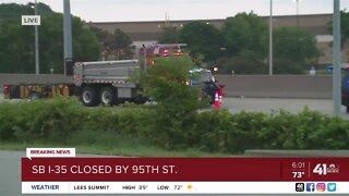 SB I-35 closed by 95th Street