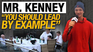 """Edmonton protesters react to Premier Kenney's Sky Palace """"working dinner"""""""