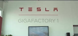 Tesla buys $1.5 billion in Bitcoin, will soon accept the currency as payment