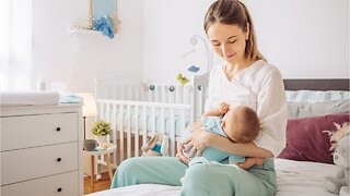 Breastfeeding Your Infant May Reduce Your Risk For Ovarian Cancer