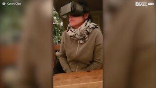 Rädd mamma testar virtual reality för första gången