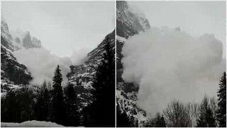 Sveitsissä kuvattiin pelottava lumivyöry