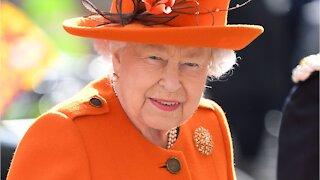 YT - ¿Infidelidad? Los rumores que la Reina Isabel soportó por el bien de la corona (1)