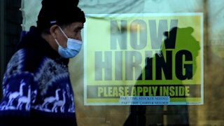 Weekly Jobless Claims Inch Lower To 712,000