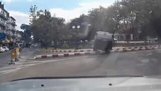 Driver loses control of car and ends up in the water