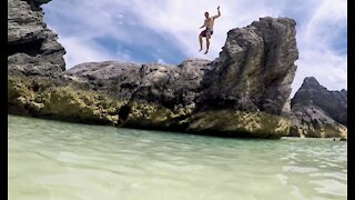 Man cliff jumps off great height in Bermuda