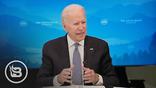 Biden Has TOTAL DISASTER When Staffer Slips Him Note in Middle of Event