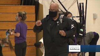 Denver South basketball coach faces death, returns to court