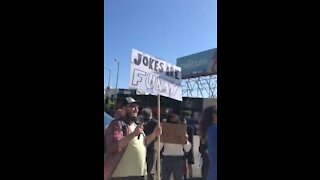 Chappelle Supporters to Netflix Walkout Employees: Jokes Are Funny
