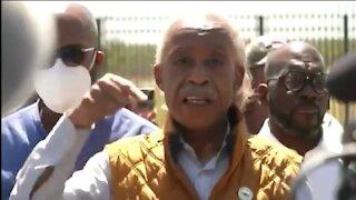 Al Sharpton Heckled At Del Rio Border