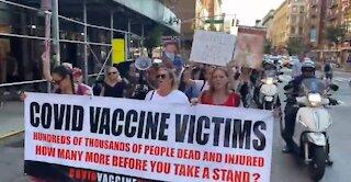 Victimele Vaccinului Covid - Demo in Times Square New York City