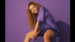 Ella Eyre says women should explore themselves sexually