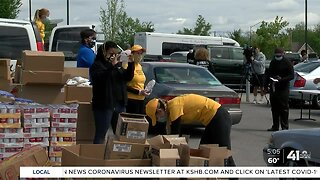 We See You: KCMO councilman, area churches hold food drives