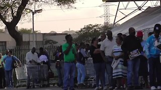 SOUTH AFRICA. Durban- Black Friday Makro video (6Fj)