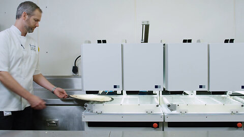 This Robot Can Make 300 Pizzas An Hour!