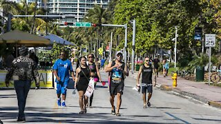 Miami Police Crack Down on Spring Breakers, Issue State Of Emergency