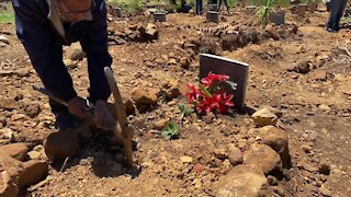 SOUTH AFRICA - Cape Town - Mowbray Muslim Cemetery desecration (Video) (QA7)