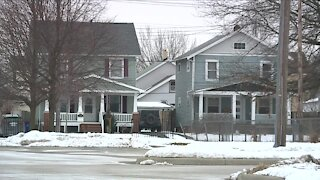 Cleveland city officials working on plan to improve declining 'middle neighborhoods'