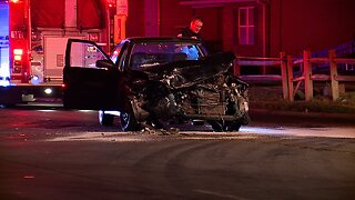 2-vehicle crash in Akron sends 3 people to the hospital