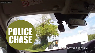 Maniac driver deliberately rams police car several times