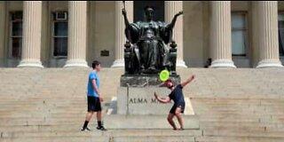 Hvordan spille freestyle frisbee
