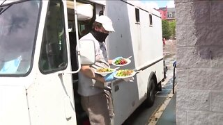 'Unbelievabowl' food truck brings healthy meals to people who need them