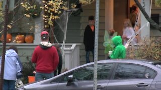 Cuomo says no ban on trick-or-treating