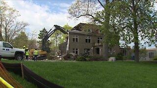 In-Depth: Demolition of beloved mansion 'bittersweet' as lakefront revitalization project begins in Vermilion