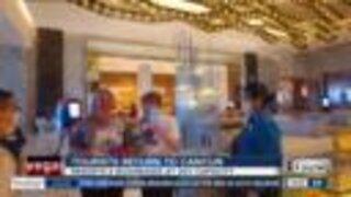 Tourists return to Cancun