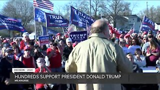Hundreds gather to support President Trump