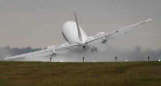 Er du redd for å fly i tordenvær? Ikke se denne videoen!