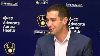 Stearns says Brewers don't know cause of Yelich's struggles