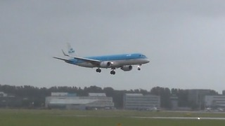 Plane Struck By Severe Winds Makes An Incredible Landing