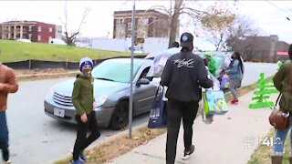Operation Holidays helps more than 400 KC metro families