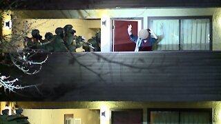 Man in custody after SWAT standoff in Springfield Township