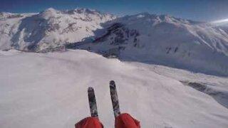 Speed-riding sulle montagne della Val-d'Isère, Francia