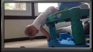 Funny Fails baby video clips