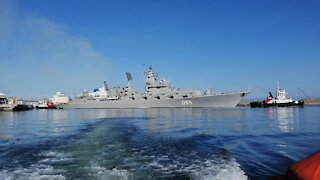 SOUTH AFRICA - Cape Town - Chinese Russian and SA Navy Vessels Leaving (Video) (K39)