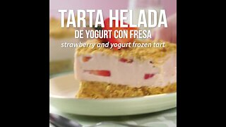 Frozen Yogurt Cake with Strawberry