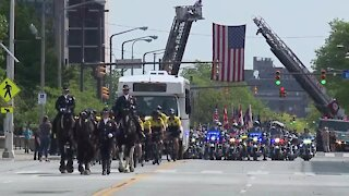 Parade in Cleveland honors police, fallen officers
