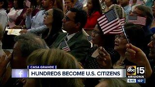 250 people take oath to become U.S. citizens in Arizona