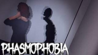 Ghost Hunting on Phasmophobia (3)