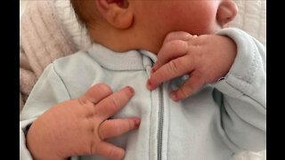 Mandy Moore gives birth