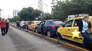 Por esquivar un hueco, conductor causó accidente múltiple en autopista a Bucaramanga