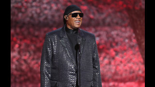Stevie Wonder feels '40' after successful kidney transplant