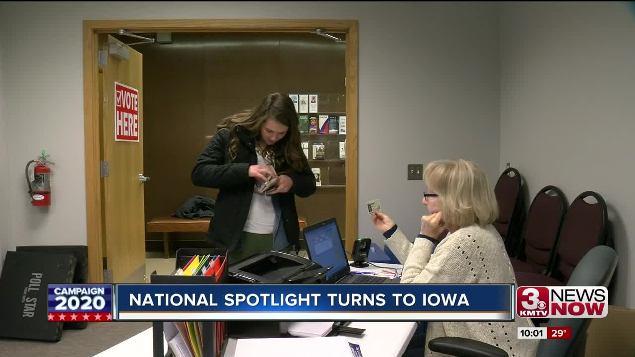 National spotlight turns to Iowa